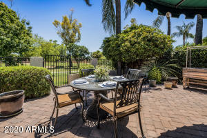 Backyard provides tranquility and a relaxing environment to enjoy the outdoors and has easy access to the greenbelt path for miles of walking or biking.