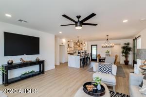 8025 E Clarendon Avenue, Scottsdale, AZ 85251