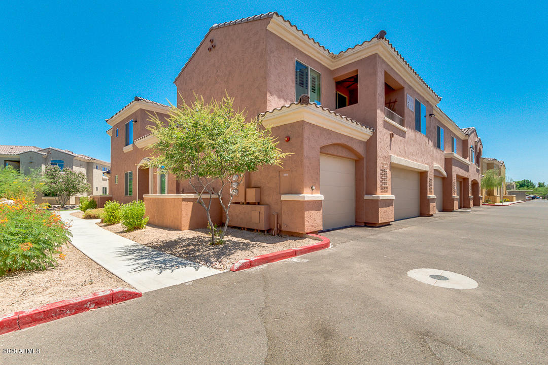 Photo of 900 S CANAL Drive #220, Chandler, AZ 85225
