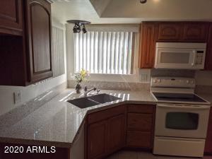 5740 W CAMPO BELLO Drive, Glendale, AZ 85308