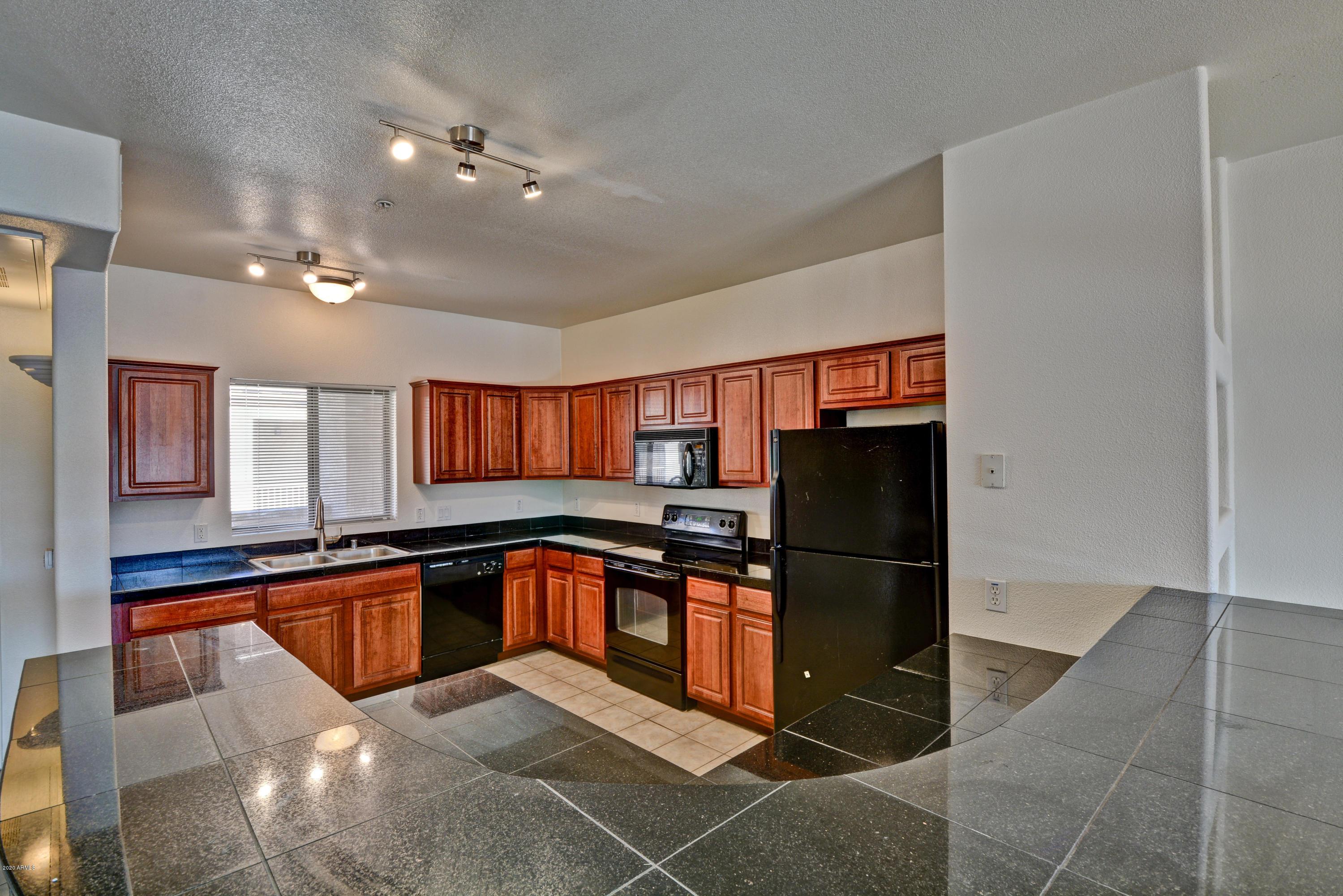 Photo of 920 E DEVONSHIRE Avenue #4025, Phoenix, AZ 85014