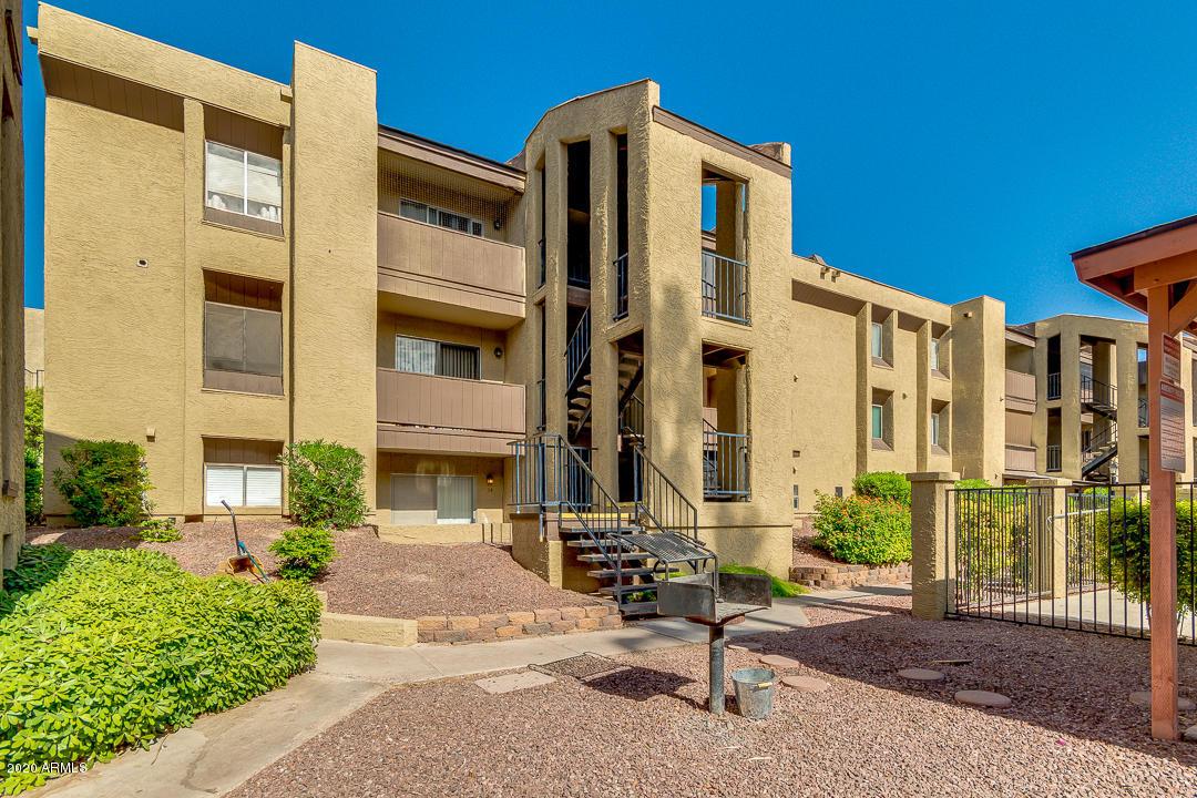 Photo of 461 W HOLMES Avenue #116, Mesa, AZ 85210