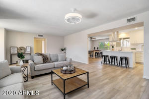 9566 W SPANISH MOSS Lane, Sun City, AZ 85373