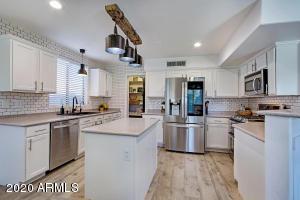 919 E ROSS Avenue, Phoenix, AZ 85024
