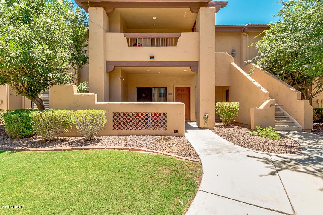 Photo of 1351 N PLEASANT Drive #1042, Chandler, AZ 85225
