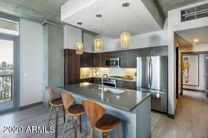 800 N CENTRAL Avenue, Phoenix, AZ 85004