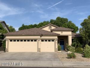 910 S PUEBLO Street, Gilbert, AZ 85233