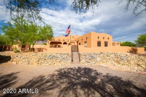 123 S ROADRUNNER Road, Apache Junction, AZ 85119
