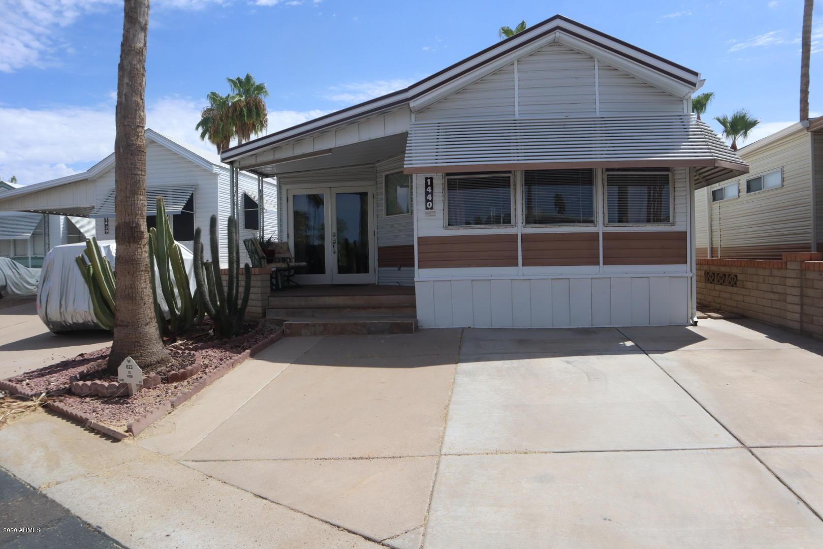 Photo of 623 S ZUNI Drive, Apache Junction, AZ 85119