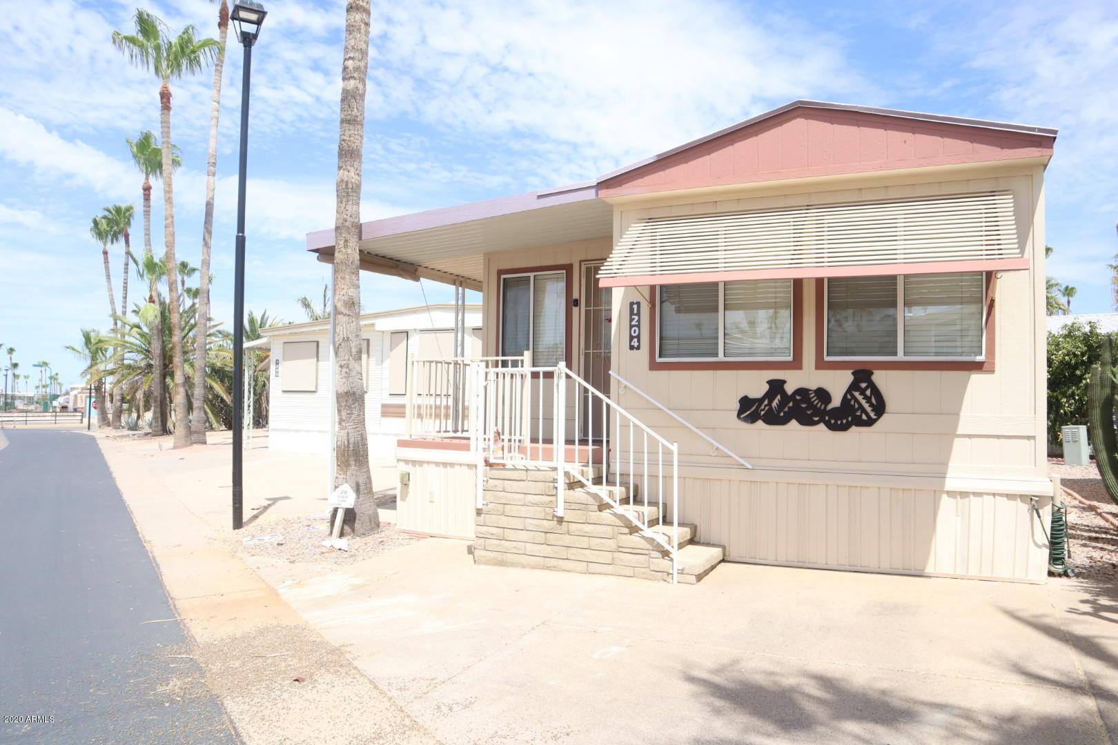 Photo of 318 W KIOWA Circle, Apache Junction, AZ 85119