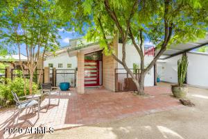 816 E CIRCLE Road, Phoenix, AZ 85020