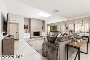 8605 E MacKenzie Drive, Scottsdale, AZ 85251