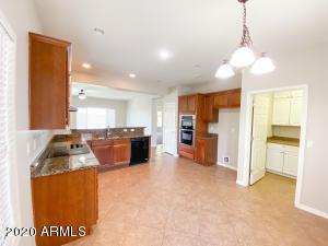 29437 W WHITTON Avenue, Buckeye, AZ 85396
