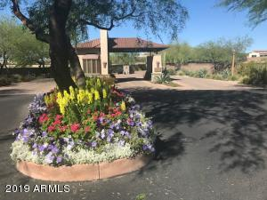 Welcome to this lovely gated community in NW Phoenix
