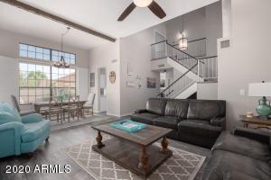 10133 E DREYFUS Avenue, Scottsdale, AZ 85260
