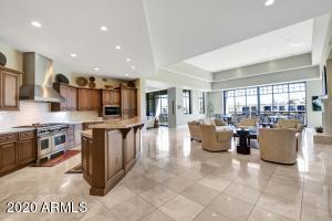 2 BILTMORE Estate, 314, Phoenix, AZ 85016