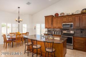 6582 W LAKE ERIE Drive, Casa Grande, AZ 85194