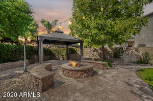 835 E SUN VALLEY FARMS Lane, San Tan Valley, AZ 85140