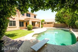 7017 W TONOPAH Drive, Glendale, AZ 85308
