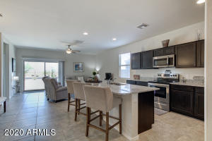 37825 W CAPRI Avenue, Maricopa, AZ 85138