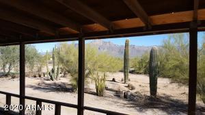 1686 S GOLDFIELD Road, Apache Junction, AZ 85119