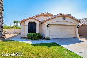 Beautifully renovated four bedroom home in Carol Rae Ranch!