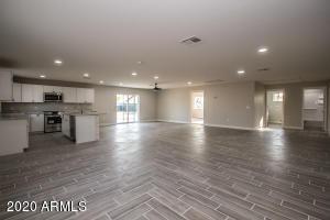 9049 E VINE Avenue, Mesa, AZ 85208