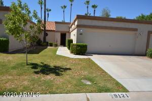 9121 W TOPEKA Drive, Peoria, AZ 85382