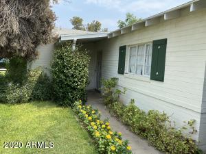 4039 E AVALON Drive, Phoenix, AZ 85018