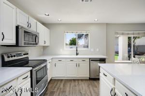 5779 W WINDROSE Drive, Glendale, AZ 85304