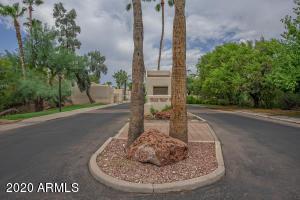 2953 E ROSE Lane, Phoenix, AZ 85016