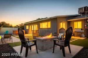 8133 E WHITTON Avenue, Scottsdale, AZ 85251