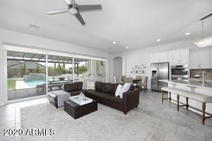 2925 E Minnezona Avenue, Phoenix, AZ 85016