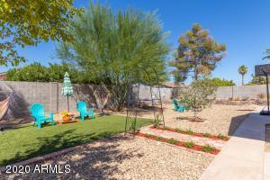 718 W FARMDALE Avenue, Mesa, AZ 85210