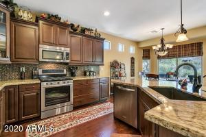 YOU WILL LOVE MEAL PREP IN THIS GREAT KITCHEN!