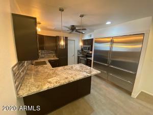 1023 W CHARLESTON Avenue, Phoenix, AZ 85023