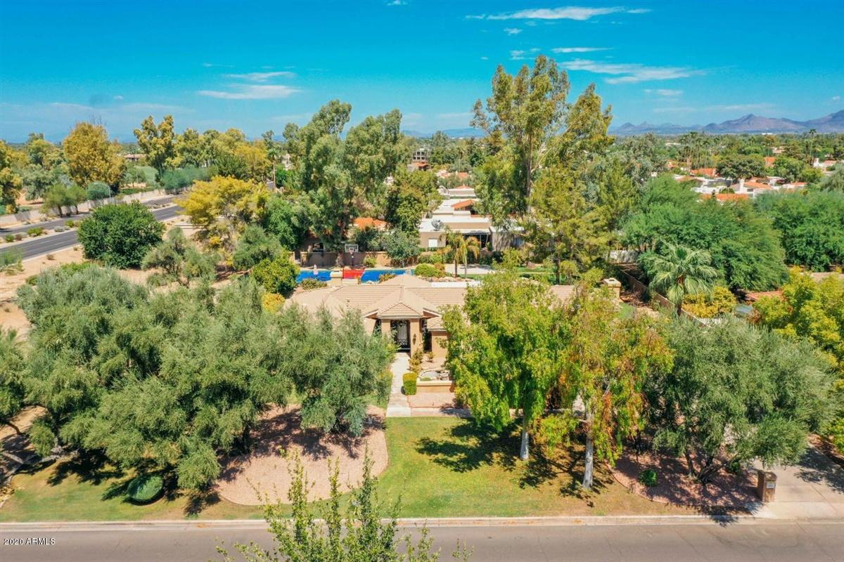 Property for sale at 7214 E Royal Palm Road, Scottsdale,  Arizona 85258