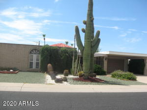 9701 W BROKENSTONE Drive, Sun City, AZ 85351