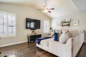 4041 W Quail Avenue, Glendale, AZ 85308