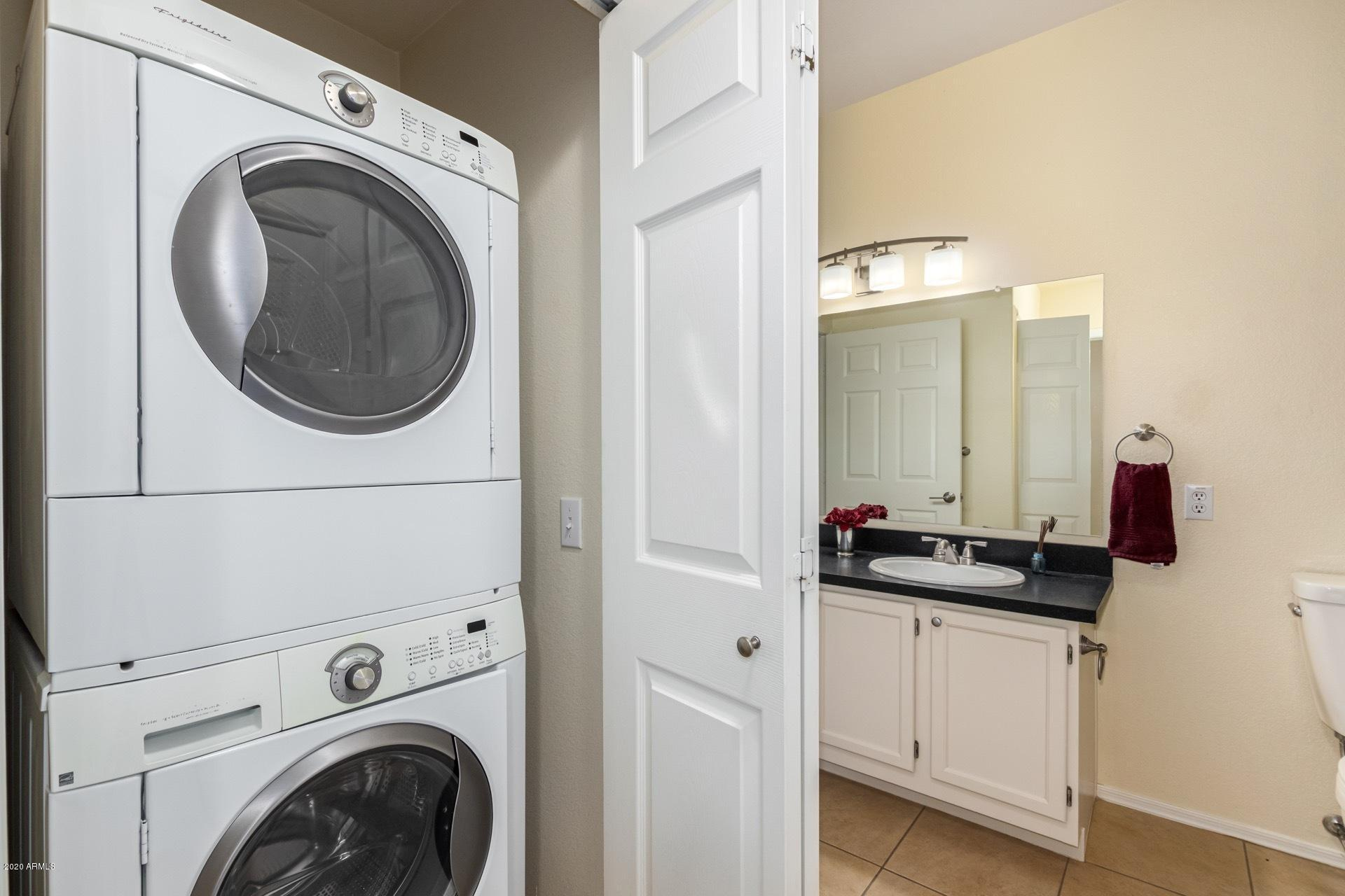 Photo #11: Washer and dryer
