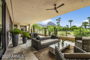 Open and spacious, glass view wall to enjoy Camelback Mountain and Golf Course views