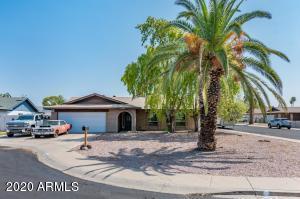 6604 W MERCER Lane, Glendale, AZ 85304