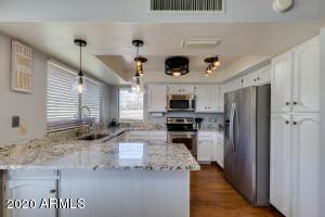 632 W CROFTON Street, Chandler, AZ 85225