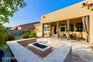 3523 E HONEYSUCKLE Drive, Chandler, AZ 85286