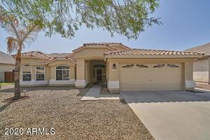913 W Horseshoe Avenue, Gilbert, AZ 85233