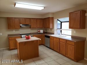 9654 N 66TH Drive, Glendale, AZ 85302