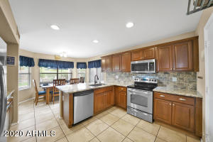 4717 E LONE CACTUS Drive, Phoenix, AZ 85050