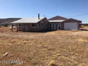 500 Gypsy Girls Road, Seligman, AZ 86337