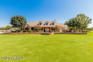 3917 E BROOKS FARM Road, Gilbert, AZ 85298