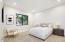 Large en-suite bedrooms with walk in closets